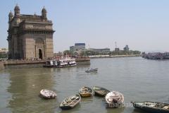 kamienny łuk tuż nad brzegiem Morza Arabskiego tzw. Brama do Indii