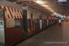 kolej jest w Indiach najpopularniejszym środkiem transportu