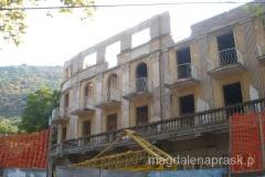 niestety co niektóre budynki walą się ku upadkowi - a szkoda