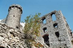 Zamek powstał w I połowie XIVw. - dziś pozostały już tylko malownicze ruiny