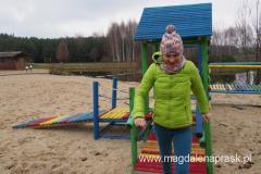 w listopadzie na placu zabaw bawią się tylko duże dzieci ;-)