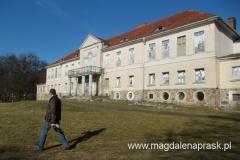dziś pałac jest w dość kiepskim stanie...