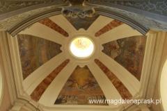 wnętrze kościoła pw. św. Jana Chrzciciela - malowidła na sklepieniu