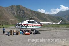 helikopter, który zabierze nas w głąb Pamiru