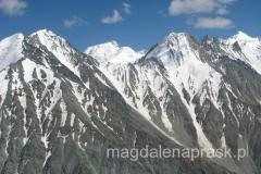 lot helikopterem nad górami Pamir