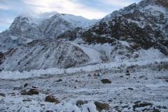 Baza w śnieżnej szacie