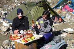 w górach byliśmy na własnym wikcie - jak widać źle nam nie było; i kiełbaska i warzywka i inne rarytaski mieliśmy