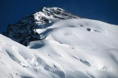 widok na kopułę szczytową Piku Korżeniewskiej