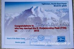 certyfikat potwierdzający zdobycie Piku Korżeniewskiej 7.105m npm