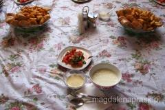 kirgiska kuchnia to przede wszystkim nabiał - ooo! z mojej sałatki ucieka mięso...