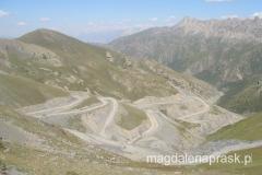 Kirgizja to kraj górzysty - trudno tu zbudować drogi