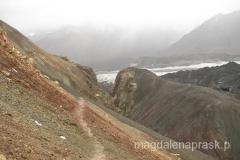 zejście do Bazy w załamaniu pogody - na tej wysokości oznacza to totalną ulewę