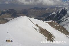 widoki na góry Pamiru przy zejściu z Obozu III