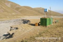 w tej niepozornej budce-baraku w Bazie na wysokości 3.800m npm mieściły się prysznice i ..... prawdziwa drewniana sauna parowa