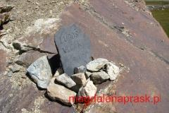 w bazie u stóp Piku Komunizma i Piku Korżeniewskiej znajduje się cmentarz wspinaczy, którzy zginęli w tutejszych górach