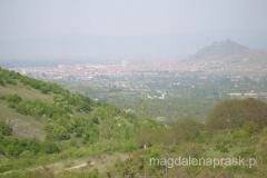 widok na Prilep - po prawej wzgórze z twierdzą Markovi Kuli