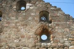 pozostałości murów starej tureckiej łaźni
