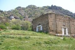 poniżej monastyru św. Michała Archanioła znajdują się ruiny starszego klasztoru