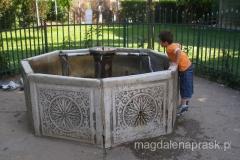 shadervan - jedyna do dziś zachowana uliczna fontanna
