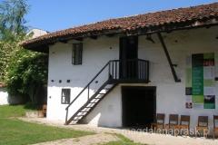 Muzeum Etnograficzne mieści się w tradycyjnym XVIIIwiecznym kompleksie budynków mieszkalnych