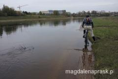 stan wody Warty jest wysoki, czasami nasza droga była zalana