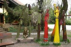 w Ogrodzie Tolerancji, który utworzony został na podwórku willi, w której mieszka rodzina Fiedlerów