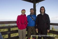 z Markiem i Darkiem na wieży widokowej na szczycie Radziejowej