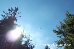 przelatujący nad nami helikopter