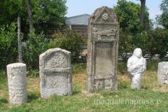 odnalezione grobowce są teraz pięknie eksponowane