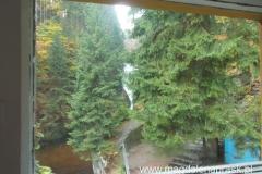 z naszego pokoju w schronisku Kochanówka mieliśmy widok na Wodospad Szklarki