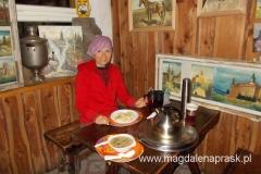 późny obiad w schronisku Kochanówka