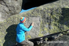 tajemniczy napis na skale Twarożnik