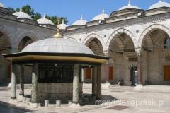 dziedziniec meczetu Sultan Bayezid II Camii