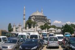 i kolejny meczet