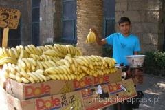 uliczny sprzedawca bananów