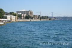 Pałac Dolmabahce nad brzegiem Bosforu