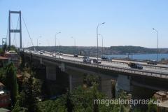 Most Bosforski - tu nie ma strefy dla pieszych; zostaliśmy cofnięci przez Policję