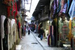 w dzielnicy Eminonu większość uliczek zajmuje bazar