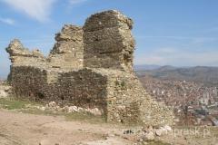 ruiny twierdzy na wzgórzu Isar