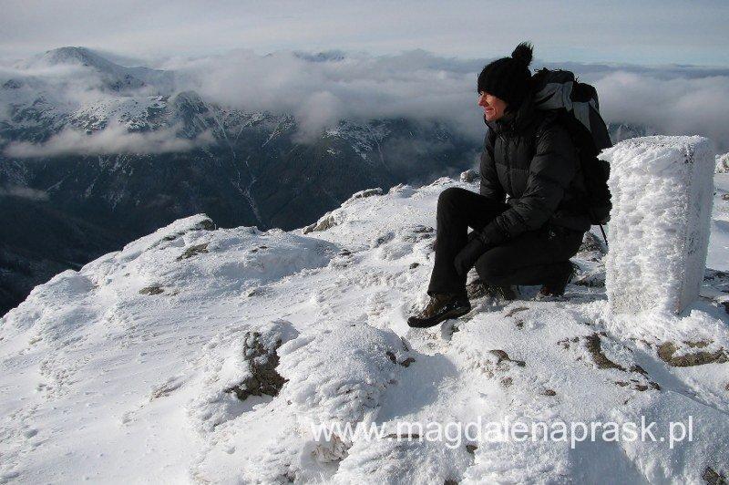 Tatry Zachodnie zimą w swetrze puchowym