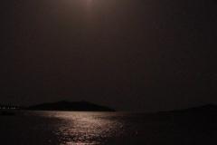 środek nocy - księżyc w pełni