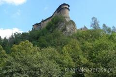 twierdza zbudowana jest na 112metrwoej skalnej ścianie