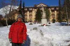 Stary Smokowiec - w tle budynek pierwszego tatrzańskiego Grandhotelu, który do dziś nie stracił swego blasku