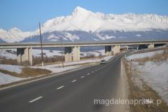 samochodem przez Słowację z widokiem na Tatry