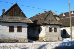 kilkadziesiąt chałup w Podbiel zostało objętych ochroną jako rezerwat orawskiej architektury ludowej