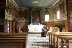 wnętrze zabytkowego kościółka