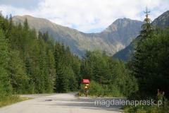 skansen położony jest w pięknej górskiej okolicy